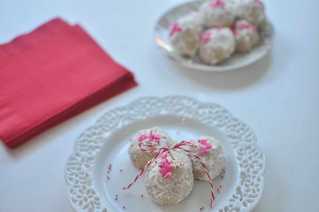 Dressed Up Russian Tea Cakes by MyLifeAsRobinsWife.com